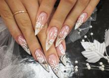 Акриловое наращивание ногтей для свадьбы